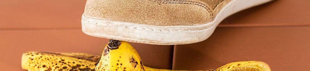 auf einer Bananenschale ausgerutscht